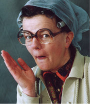 "30.05.2009 Karin Berkenkopf in ""Tante Frieda Braun"" - Gillenfeld"